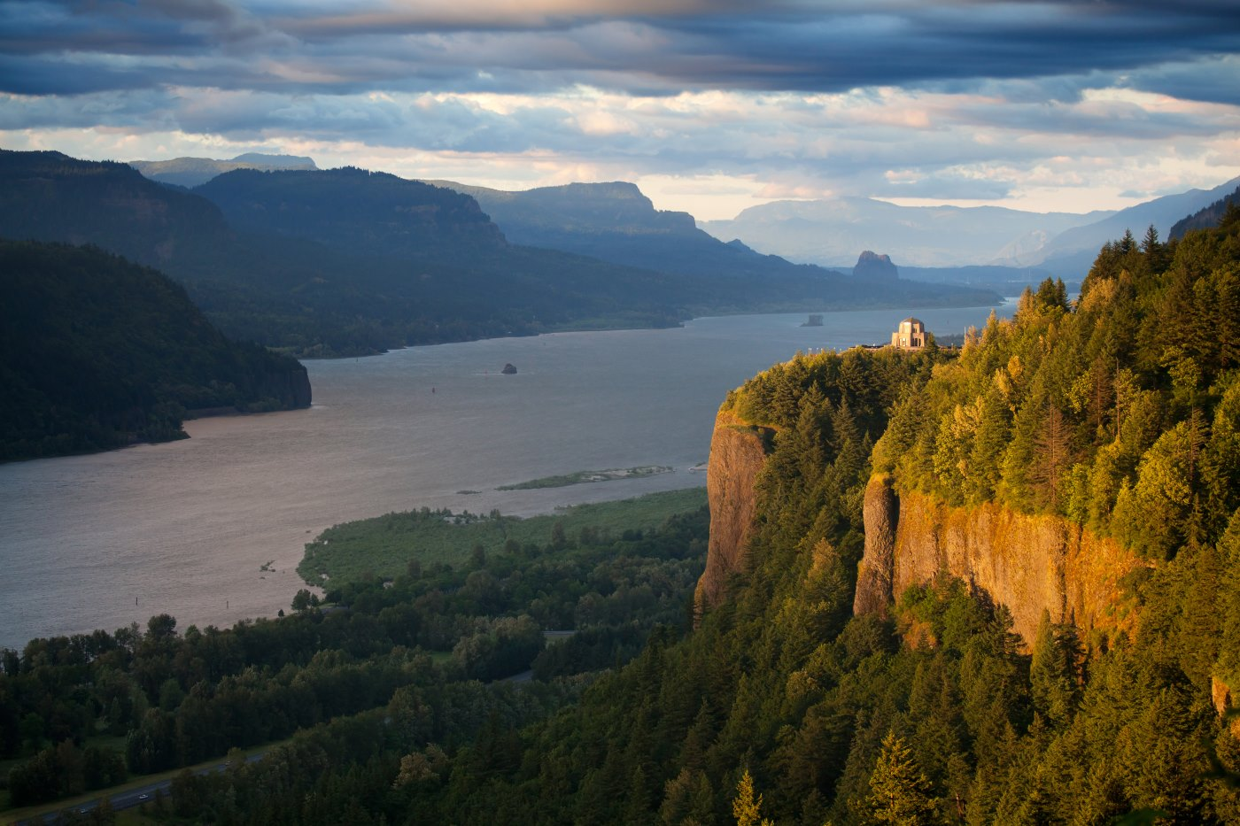 Crown Point on the Columbia River of Oregon
